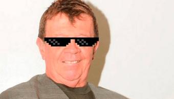 """Xavier López """"Chabelo"""" con lentes negros"""