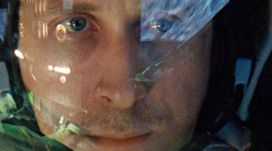 Ryan Gosling como Neil Armstrong