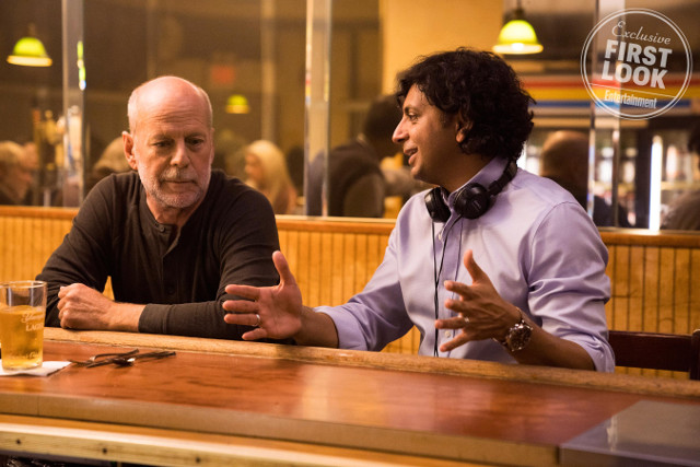 GlassBruce Willis y M. Night Shyamalan en Glass