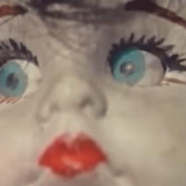 La muñeca de Vacaciones de Terror