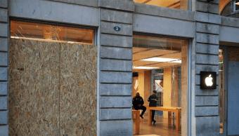 La fachada de la tienda de Apple en Burdeos
