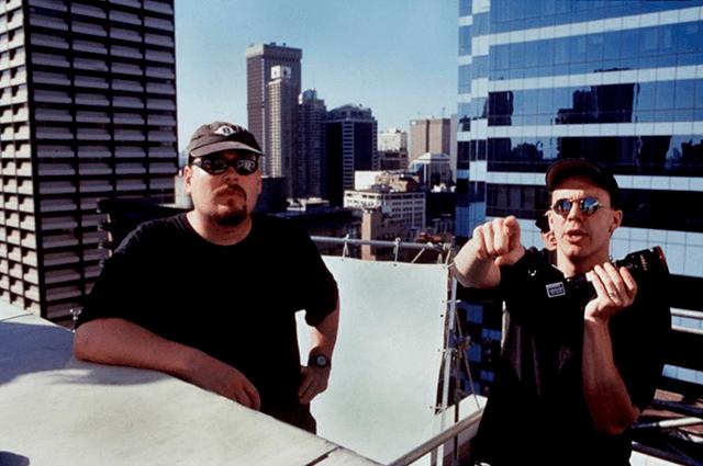 Los hermanos Wachowski filmando Matrix (Warner Bros.)
