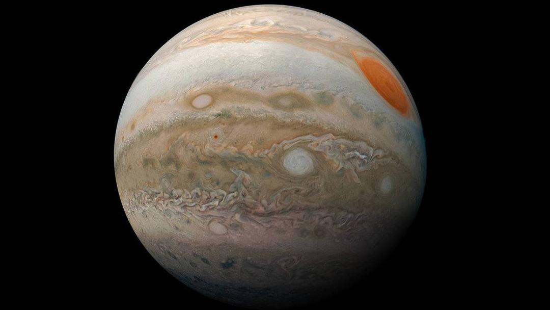 ¡Sorprendente! Telescopio Hubble capta gran tormenta blanca en Júpiter