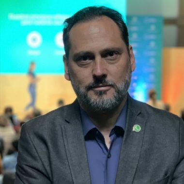 pablo-bello-director-politicas-publicas-facebook-america-latina-whatsapp-business-codigo-espagueti