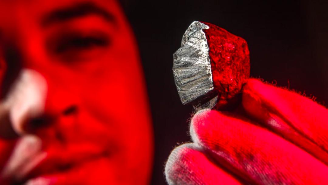 Edscottita-Nuevo Mineral