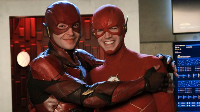 Ezra Miller Grant Gustin Flash Crisis on Infinite Earths