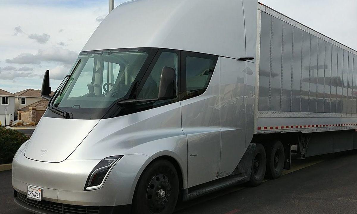 Tesla Semi Truck Elon Musk
