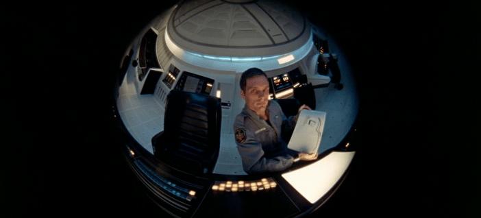 Fotograma de 2001: A Space Odissey con la vista de la inteligencia artificial HAL 9000