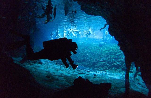 Mayas Cueva Submarina Yucatán