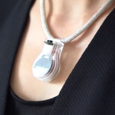 NASA crea collar para prevenir contagios de coronavirus