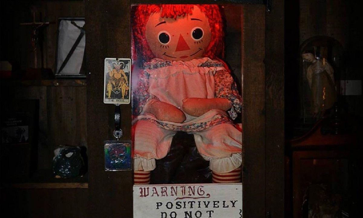 Reportan desaparición de la muñeca Annabelle y ya nada podría ir peor en 2020 | Código Espagueti