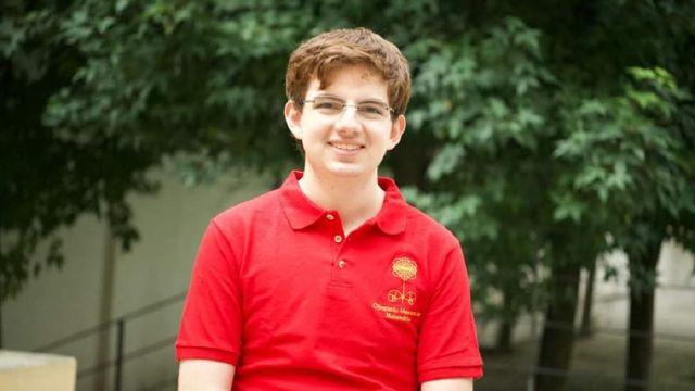 Mexicano Gana Oro Olimpiada Internacional Matemáticas