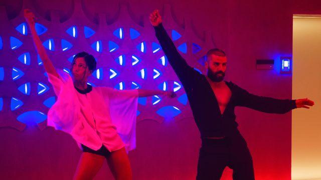 Villanos Bailando en películas: Oscar Issac en Ex Machina de Alex Garland