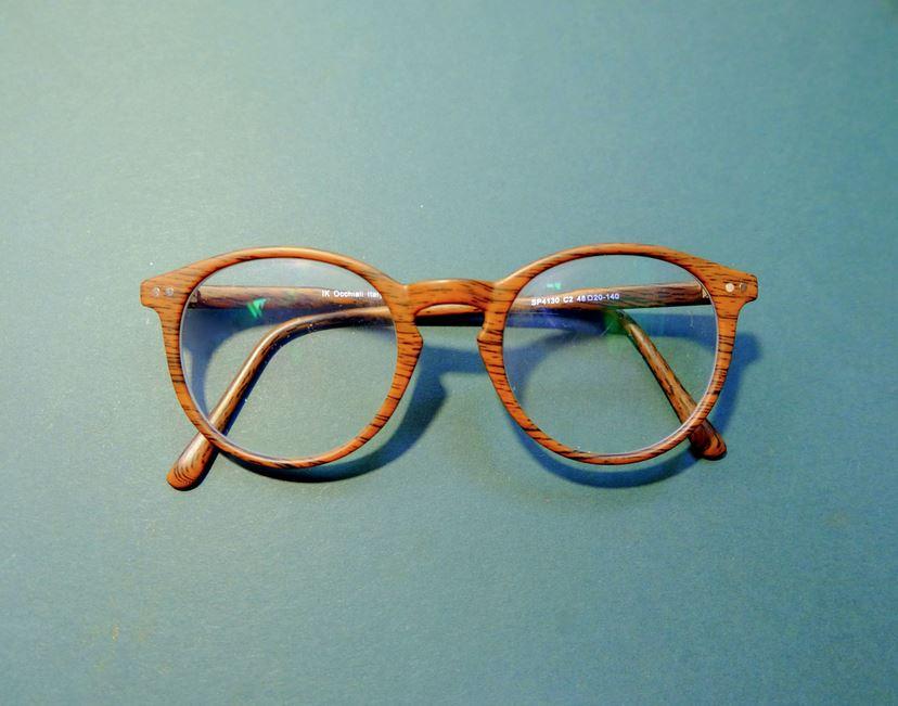 ¿Usar lentes protege del coronavirus? Investigadores creen que sí