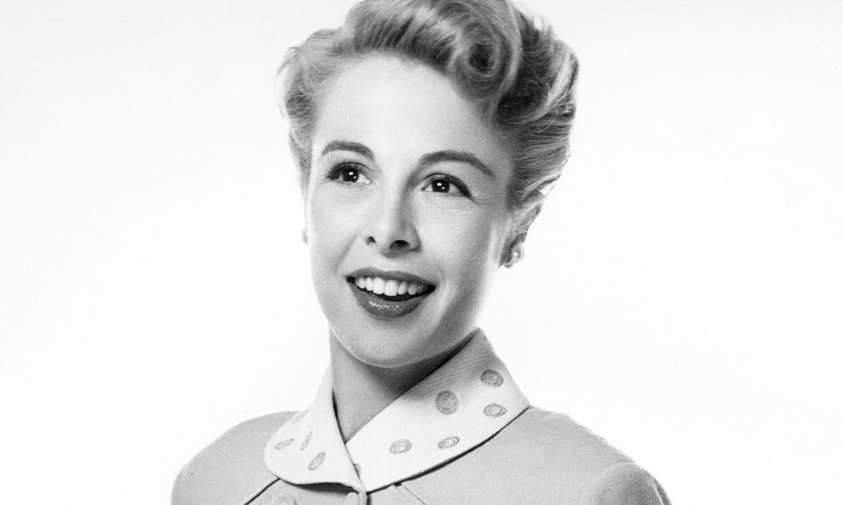 Muere Marge Champion