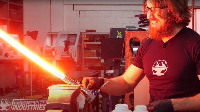Hay un nuevo sable láser de Star Wars en la vida real, ¡capaz de rebanar el acero!