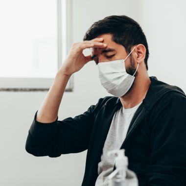 Uso correcto del cubrebocas produce dolores