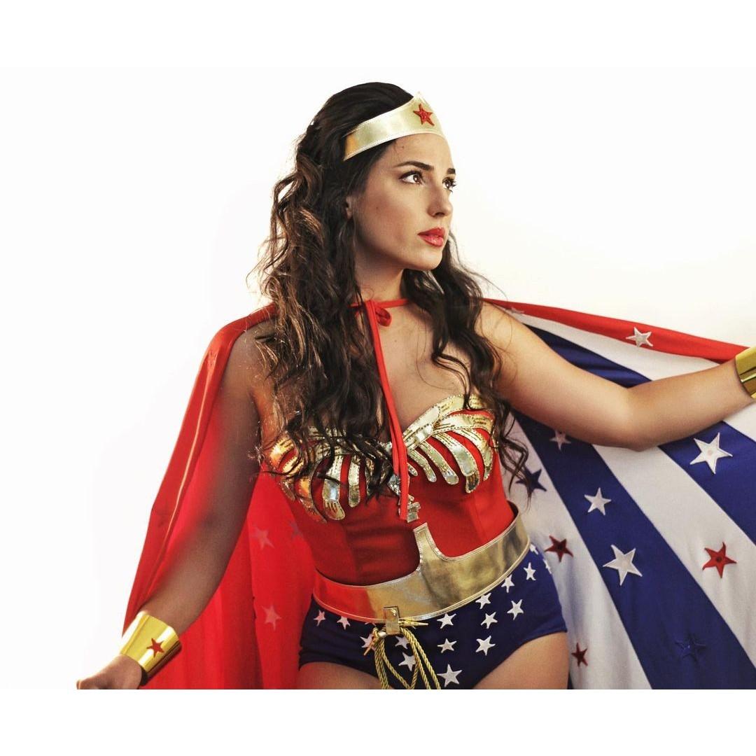 DC Comics: Chica recrea a la perfección uno de los atuendos de Wonder Woman en cosplay