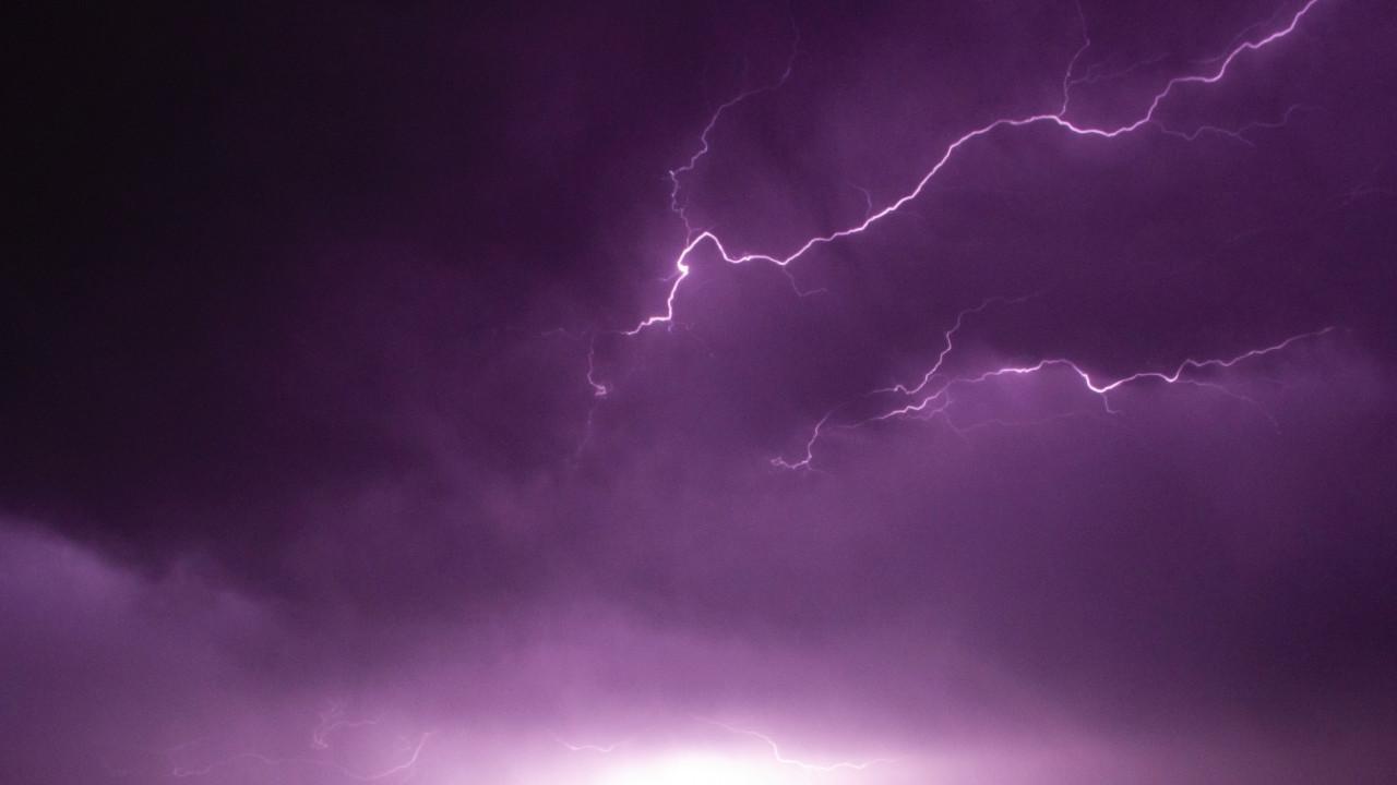 El calor más potente no se encuentra en el núcleo interno de la Tierra sino en los relámpagos