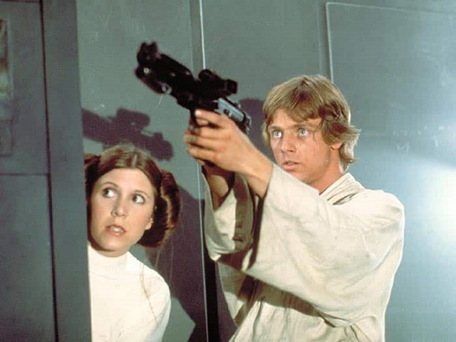 Luke Skywalker y Leia Organa