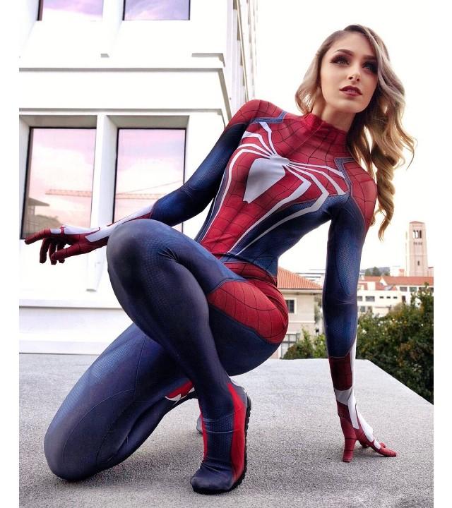 Marvel_ Chica crea un asombroso cosplay de Spider-Man