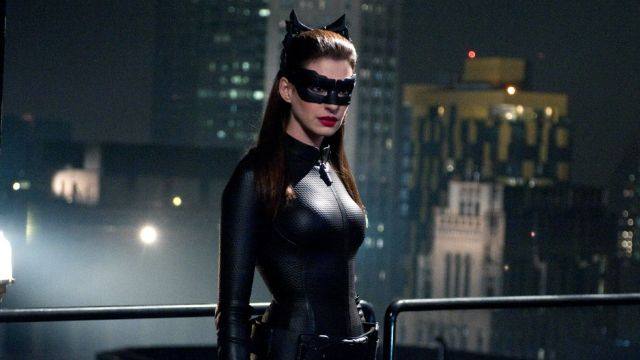 DC Comics_ Cosplayer recrea a la perfección a Catwoman de Anne Hathaway (1)