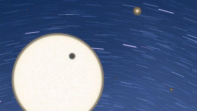 NASA: Investigación planetaria encuentra un expoplaneta con tres estrellas