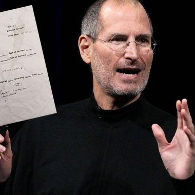 Subastarán una solicitud de empleo Steve Jobs escrita a mano