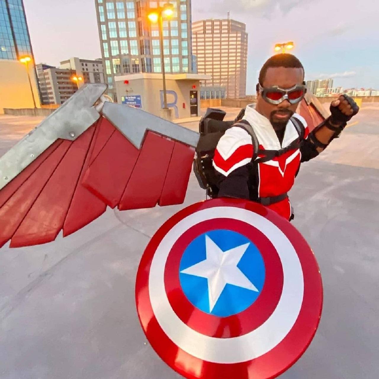 Marvel Falcon cosplay Serie disney Plus