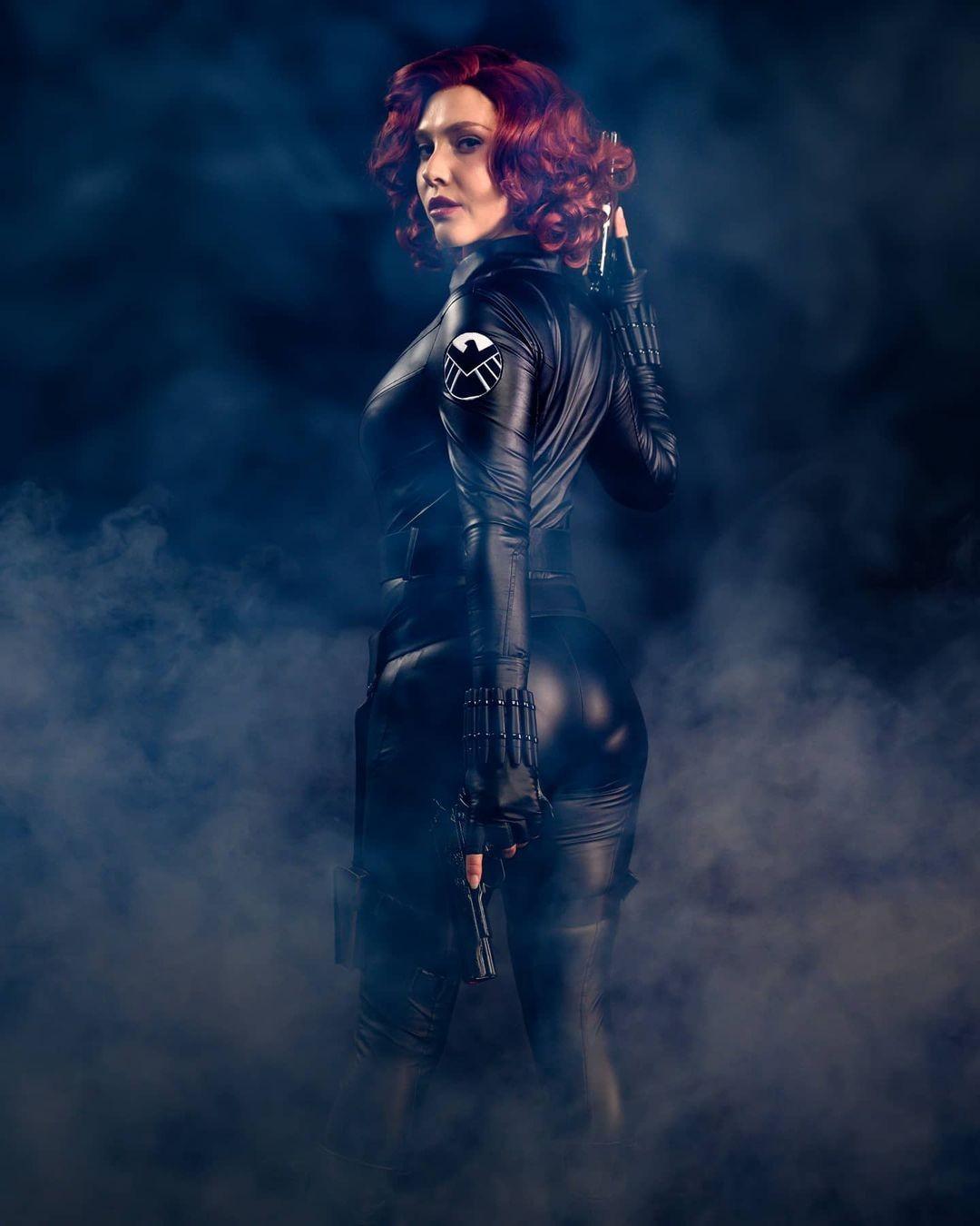 Marvel: Cosplayer le da vida a la inigualable Black Widow
