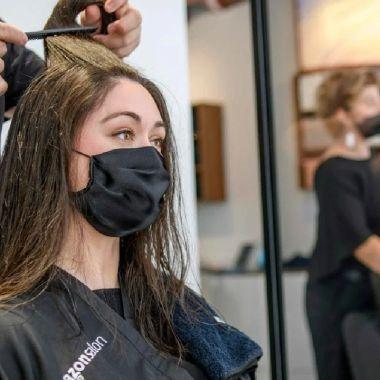 Amazon abre su primer salón de belleza que tiene tecnología AR