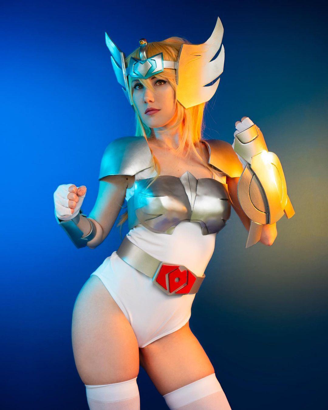 saint seiya caballeros zodiaco hyoga cisne cosplay femenino manga