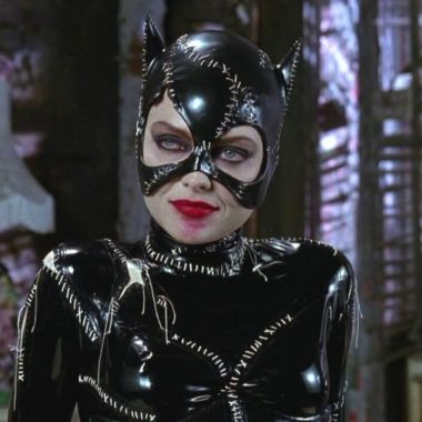 DC Comics: Cosplayer el da vida a Catwoman con el sexy traje de Batman Returns