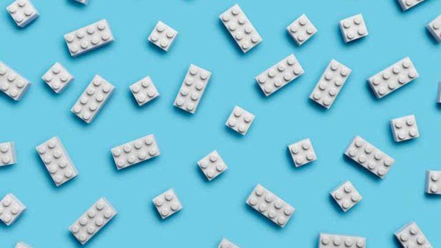 lego ladrillos bloques botellas de plastico