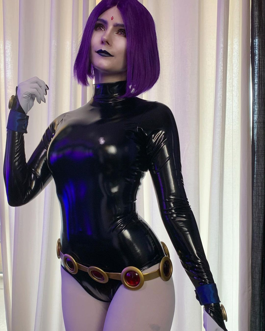 Teen Titans: Raven cobra vida a través de este grandioso cosplay
