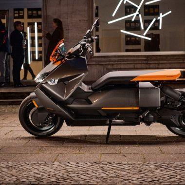 BMW ce 04 moto scooter eléctrico 2022