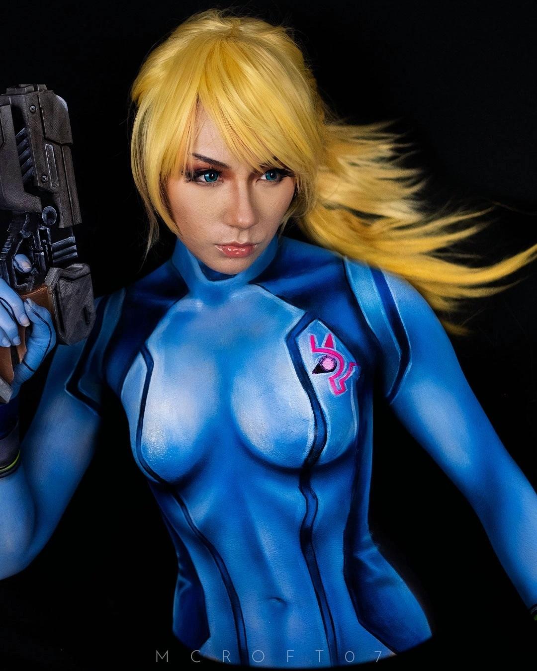 Cosplay samus aran body paint metroid zero mision traje azul