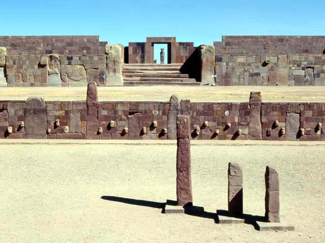 Templo semisubterráneo, Tiahuanaco.