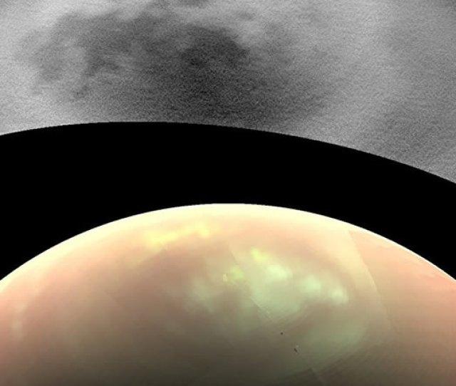 En La Imagen De Infrarrojo De Las Camaras De La Cassini Iss Que Se Muestran