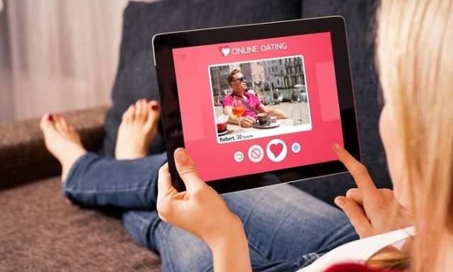 ¿Somos un catálogo frente a nuestras redes y apps?