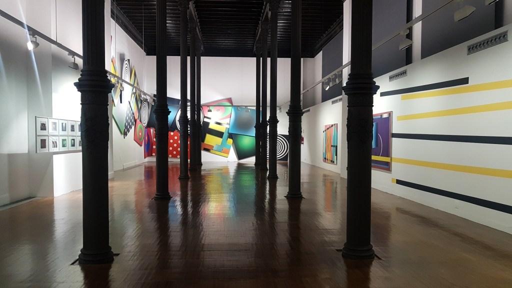 Exposición 'Reincidente' de Enrique Larroy en el Paraninfo./Pilar Sariñena
