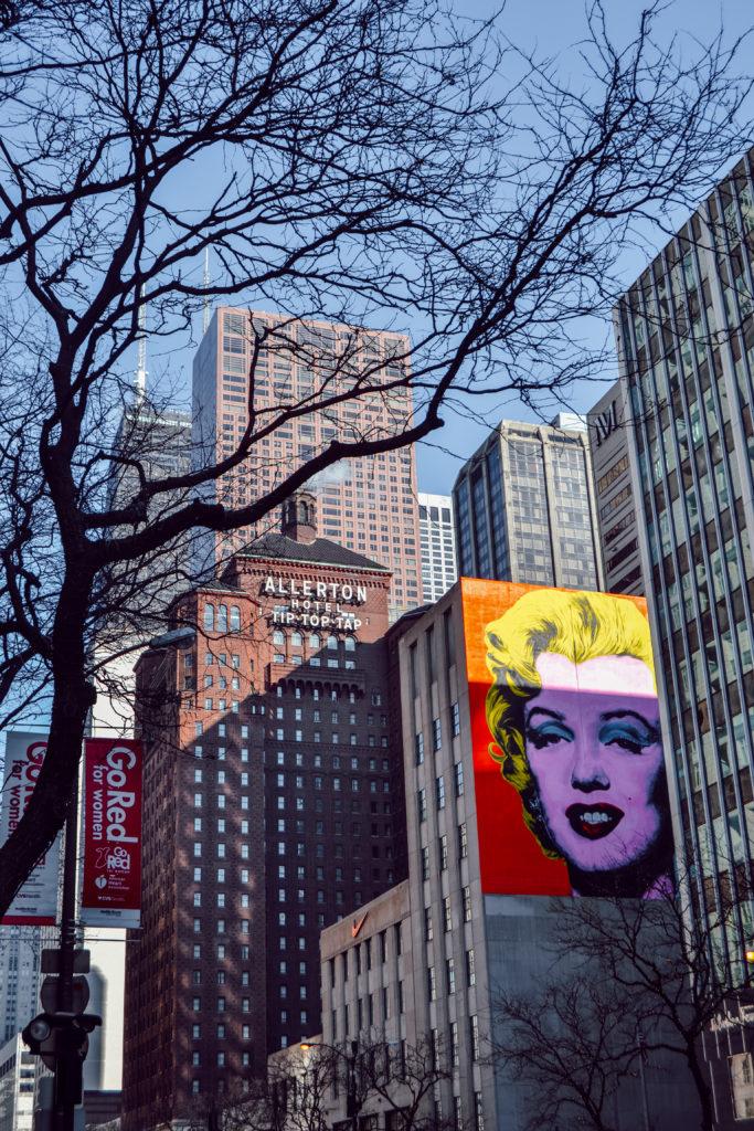 Street art Marylin Monroe sur un building à Chicago, dans le quartier Streeterville
