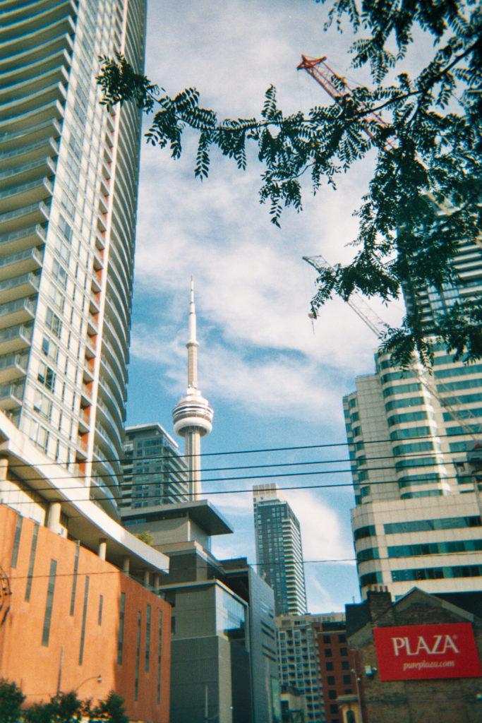 CN Tower à Toronto en argentique