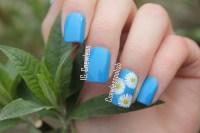 Nail Art March 20  Daisy | Coewless nail polish blog