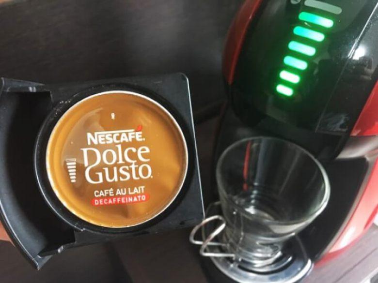 ドルチェグストのカプセルホルダーにカフェオレ カフェインレスをセット