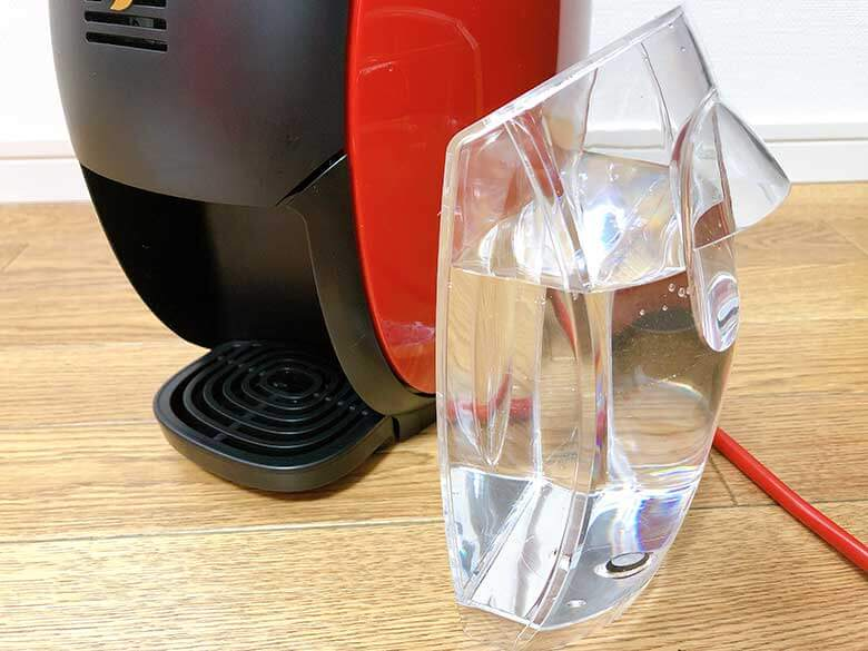 湯垢洗浄剤を水に溶かす