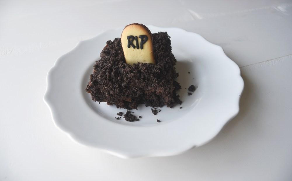 Individual graveyard brownie on plate