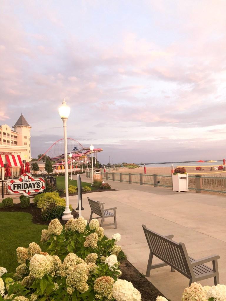 Hotel Breakers, TGI Fridays, Lake Erie, and waterpark