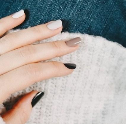 """Der Nageltrend 2019: """"Gradient Nails"""""""