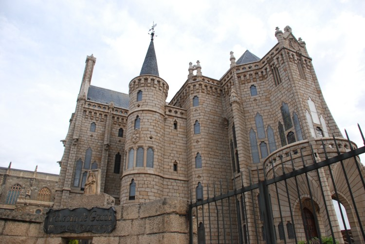 Spanish Architecture - Gaudi's Episcopal Palace